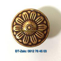 Báo giá nơi bán mẫu Núm tủ hoa tròn hợp kim màu vàng đỏ NT-005 đường kính 30mm giá rẻ tại Hà Nội
