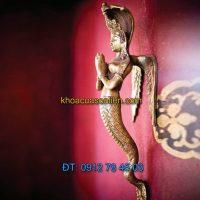 Báo giá Tay nắm cửa đi trang trí hình thần rắn Naga chắp tay nơi bán tại Hà Nội