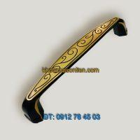 Nơi bán Mẫu tay nắm tủ bằng đồng dây hoa màu vàng đen 2111 - 128mm tại Hà Nội