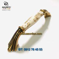 Nơi bán Tay nắm tủ tân cổ điển M70.01.G7.A8G 96mm họa tiết ánh vàng của Giusti - Italy xịn tại Hà Nội
