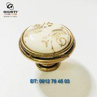 Báo giá Nơi bán Tay nắm tủ tân cổ điển P77.01.G7.A8G 35mm họa tiết ánh vàng của Giusti - Italy xịn tại Hà Nội