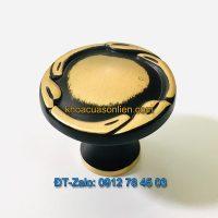 Báo giá nơi bán mẫu Tay nắm tủ tròn bằng đồng màu đen-vàng 8013 đường kính 30mm giá rẻ tại Hà Nội